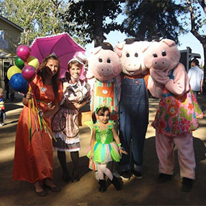 Have a great day at the farm on your birthday!  It's a birthday party at Bishop's Pumpkin Patch, farm and orchard, Wheatland, California